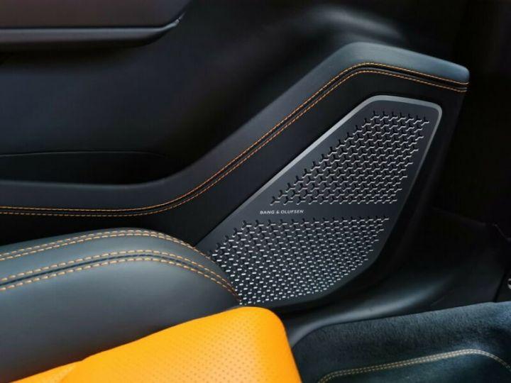 Lamborghini Urus noir  - 17