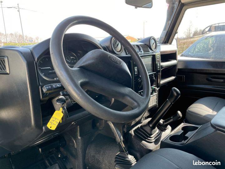 Land Rover Defender 110 td4 7 places ex armée  - 4