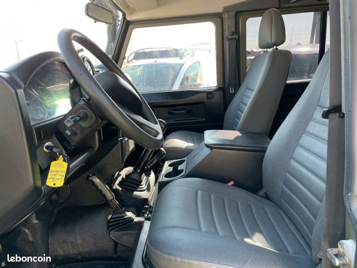 Land Rover Defender 110 td4 7 places ex armée  - 7