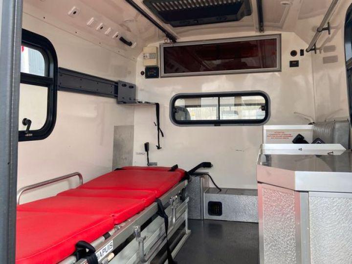 Land Rover Defender 130 cellule ambulance 12000km Blanc - 2