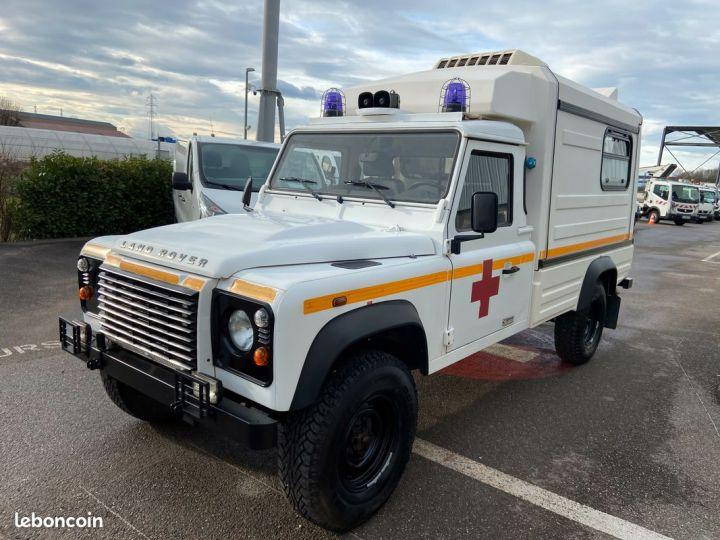 Land Rover Defender 130 cellule ambulance 12000km Blanc - 4