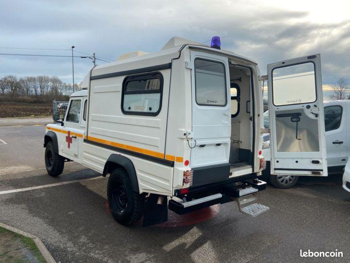 Land Rover Defender 130 cellule ambulance 12000km Blanc - 5