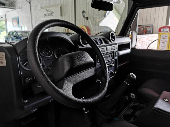 Land Rover Defender 90 2.2 TD4 122 CV EDEN PARK Noir - 5