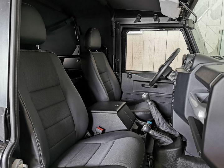 Land Rover Defender 90 2.2 TD4 122 CV EDEN PARK Noir - 7