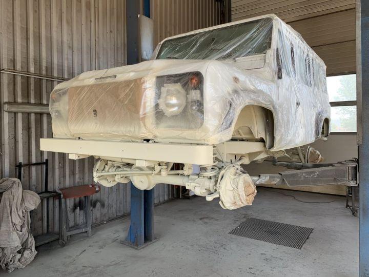Land Rover Defender Station Wagon 110 TD5 SW 122 CV Blanc - 17