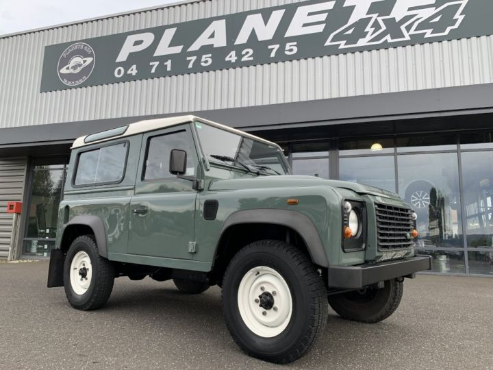 Land Rover Defender Station Wagon 2.4 L TD 122 CV  Vert - 9