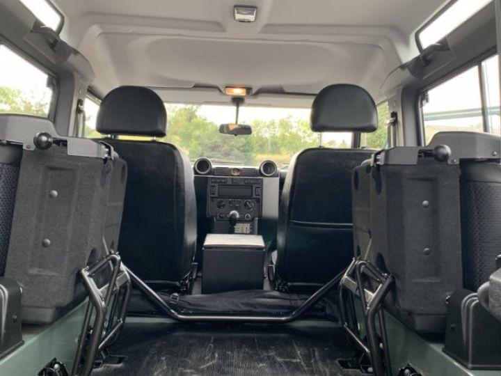 Land Rover Defender Station Wagon 2.4 L TD 122 CV  Vert - 14