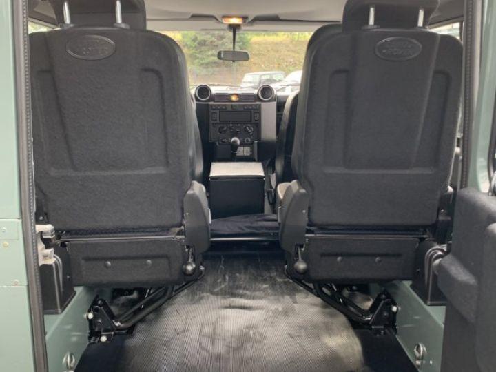 Land Rover Defender Station Wagon 2.4 L TD 122 CV  Vert - 15