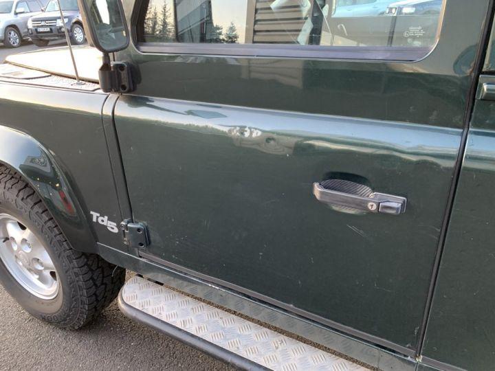 Land Rover Defender Station Wagon 90 SW TD5 122 CV Vert Foncé - 11