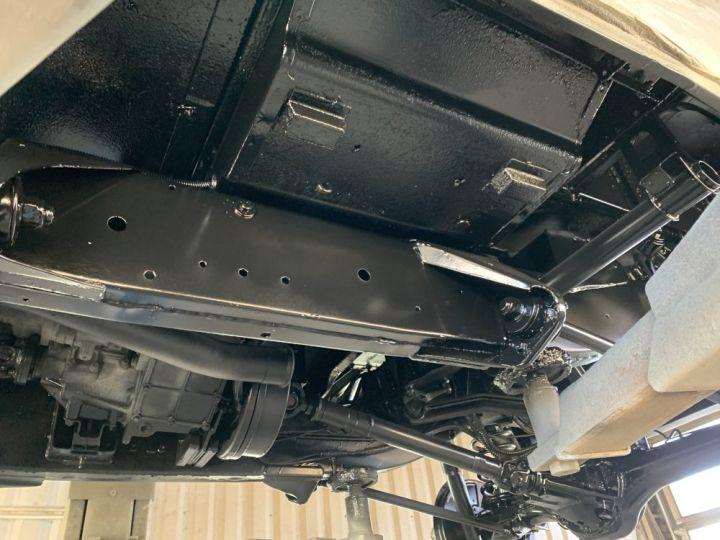 Land Rover Defender Station Wagon 90 SW TD5 122 CV Vert Foncé - 18