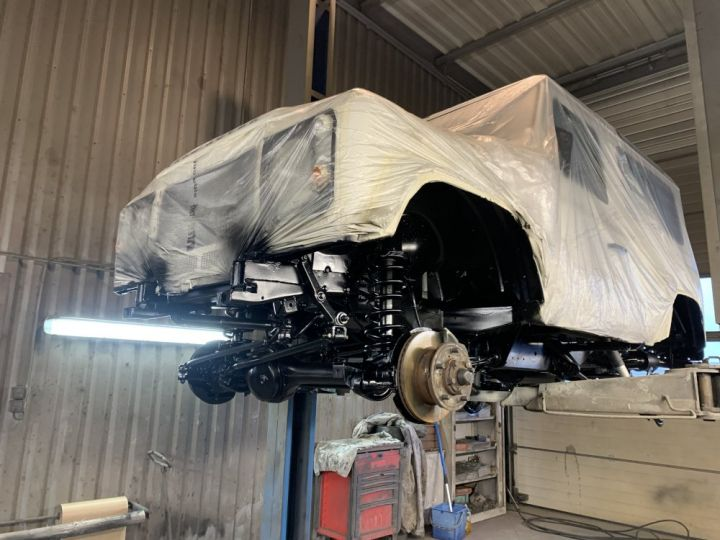 Land Rover Defender Station Wagon 90 SW TD5 122 CV G4 EDITION Gris clair - 18