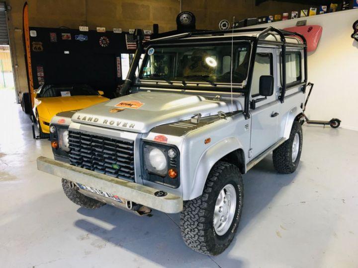 Land Rover Defender SW 90 2.4 TD SE Gris - 3