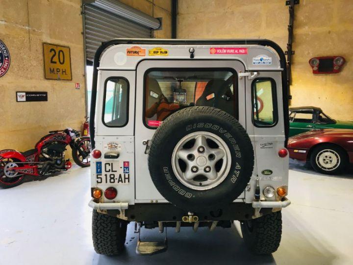 Land Rover Defender SW 90 2.4 TD SE Gris - 6