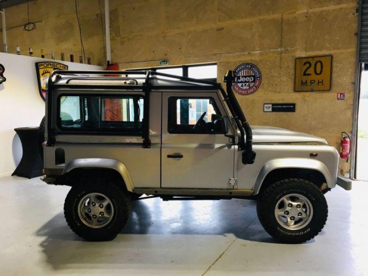 Land Rover Defender SW 90 2.4 TD SE Gris - 8