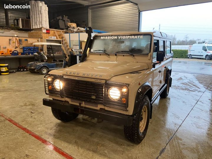 Land Rover Defender td4 110 5 places 25000km Beige - 4