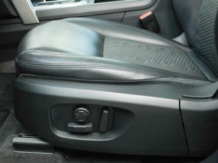 Land Rover Discovery Sport Gris métallisée  - 6