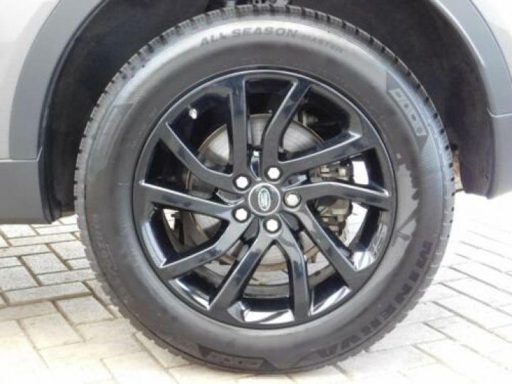 Land Rover Discovery Sport Gris métallisée  - 12