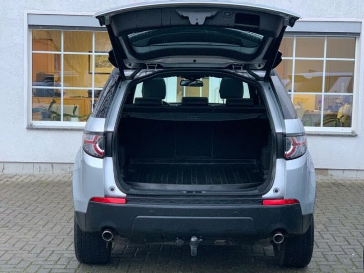 Land Rover Discovery Sport 2.0 TD4 180ch AWD SE Gris Argent - 10