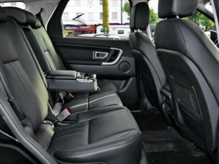 Land Rover Discovery Sport Si4 290 HSE   Noir - 7