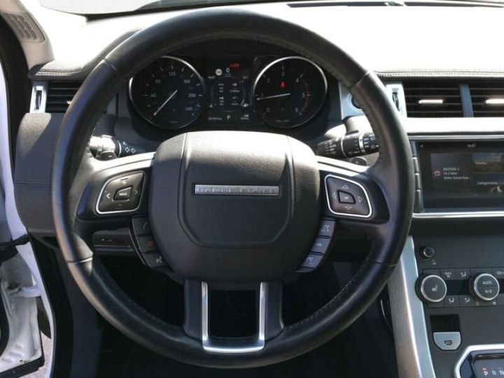 Land Rover Range Rover Evoque Land Rover Range Rover Evoque 2.0 Td4 SE Black Edition 150ch / Toit Pano / Caméra / Volants et siège chauffants / Ecran tactile / 1er main / Garantie  Blanc - 7