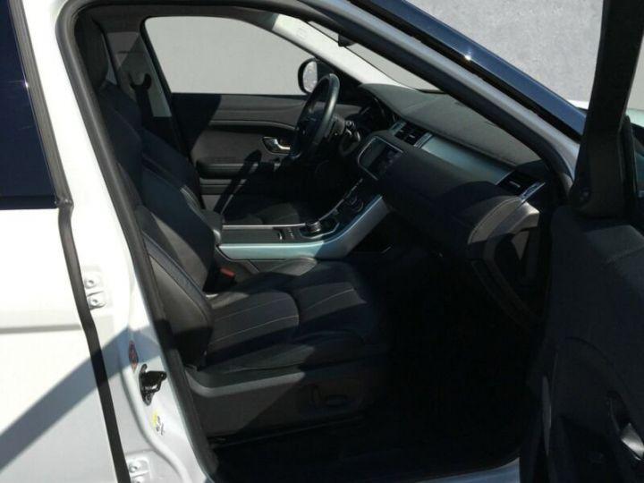 Land Rover Range Rover Evoque Land Rover Range Rover Evoque 2.0 Td4 SE Black Edition 150ch / Toit Pano / Caméra / Volants et siège chauffants / Ecran tactile / 1er main / Garantie  Blanc - 10