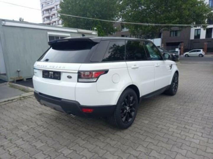 Land Rover Range Rover Sport 3.0 TDV6 HSE/ CUIR / GPS / PHARE XENON / TOIT Pano / GARANTIE 12 MOIS / Noir et blanc - 4
