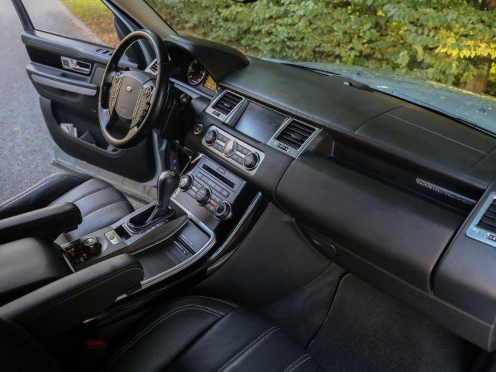 Land Rover Range Rover Sport Mark VI TDV6 3.0L HSE A GRIS - 9