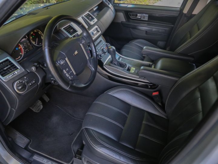 Land Rover Range Rover Sport Mark VI TDV6 3.0L HSE A GRIS - 11