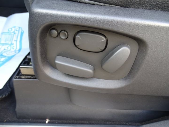 Land Rover Range Rover Sport TDV6 HSE 3.0L 245PS /JTES 20 Camera Memoire  Noir metallisé - 11