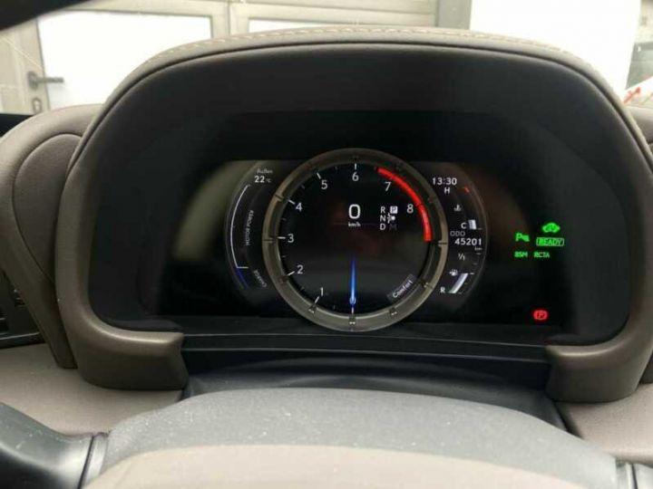 Lexus LC Vert métallisée  - 7