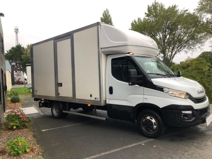 Light van Iveco Daily Box body + Lifting Tailboard 35C14 22M3 HAYON CAPUCINE PORT BLANC - 1