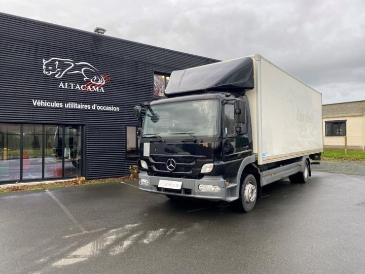 Light van Mercedes Atego Box body + Lifting Tailboard 1218 FOURGON 43 m3 HAYON RABATTABLE PORTE LATERALE COULISSANTE  NOIR - 2