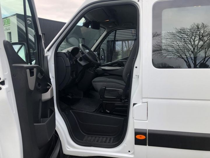 Light van Nissan NV400 Insulated box body BLANC - 16