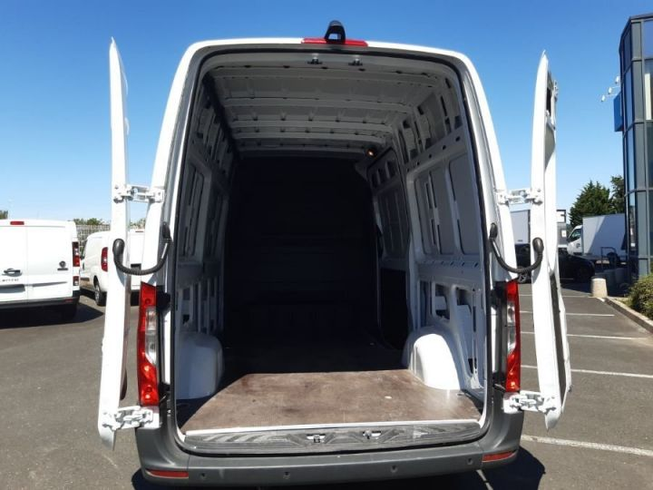Light van Mercedes Sprinter 316 CDI 37 3T5 BLANC - 4