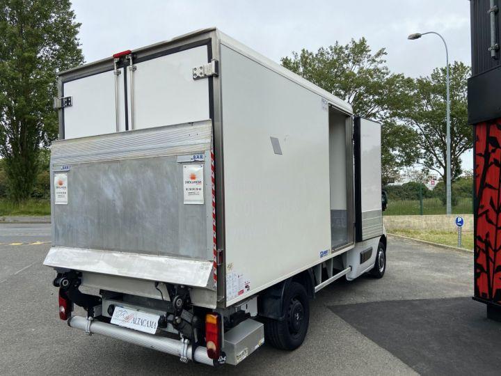 Light van Renault Master Refrigerated van body 130CV FRIGORIFIQUE ISOTHERME HAYON ELEVATEUR BLANC - 2