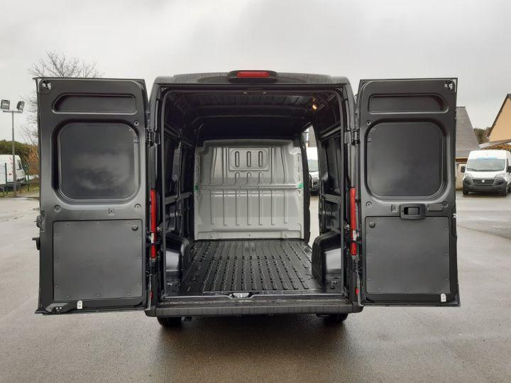 Light van Fiat Ducato Steel panel van  MH2/LH2 2.3 MULTIJET 120CH PACK PRO NAV NOIR - 5