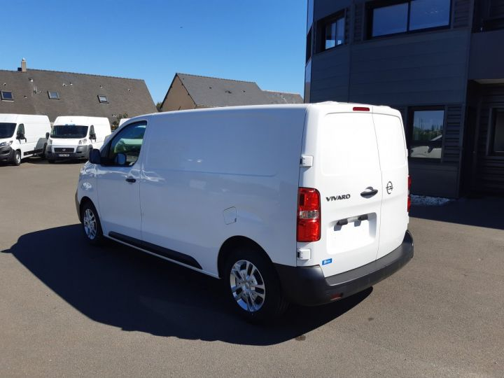 Light van Opel Vivaro Steel panel van L2 1.5D 120CV PACK CLIM BLANC - 4