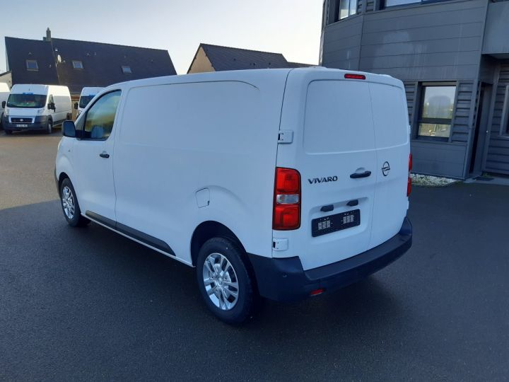 Light van Opel Vivaro Steel panel van L2 AUGMENTE 2.0D 120CH PACK CLIM BLANC - 4
