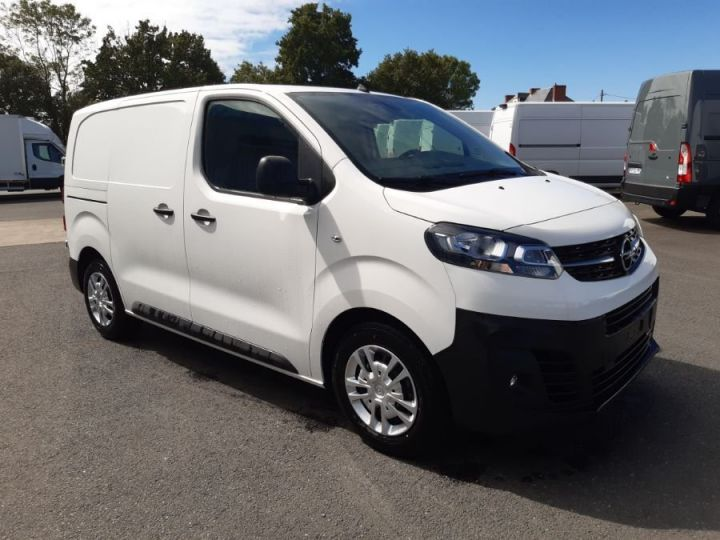 Light van Vivaro BLANC - 2