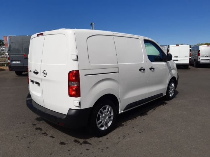 Light van Vivaro BLANC - 3