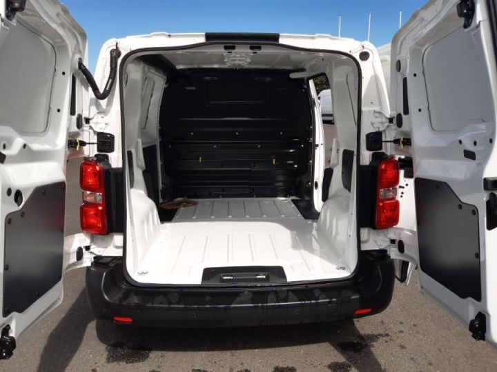 Light van Vivaro BLANC - 5