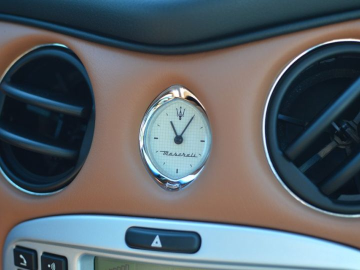 Maserati 4200 GT MASERATI COUPE 4200 GT PHASE 2 4.2 V8 390ch CAMBIOCORSA FAIBLE KILOMÉTRAGE noir - 17