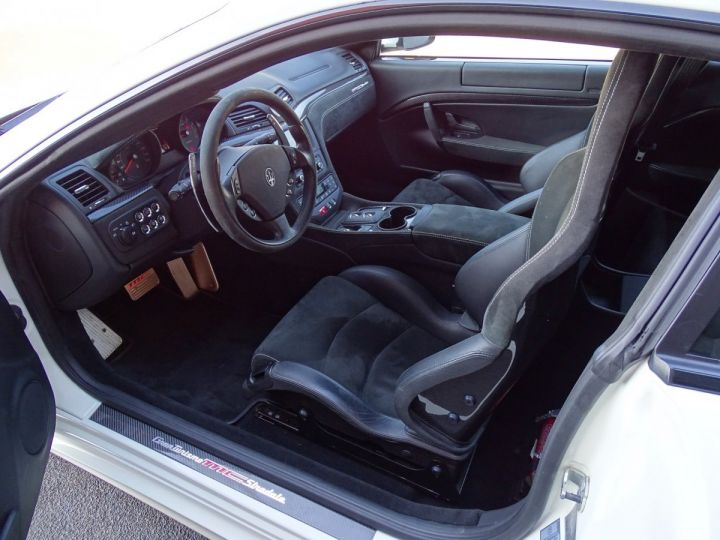 Maserati Gran Turismo MASERATI GRANTURISMO MC STRADALE V8 4.7 F1 BVR 450 CV - MONACO Blanc Eldorado - 6