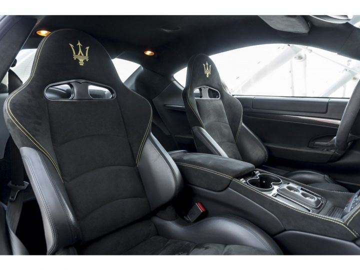Maserati Gran Turismo MC STRADALE 4.7 noir - 10