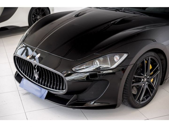 Maserati Gran Turismo MC STRADALE 4.7 noir - 20