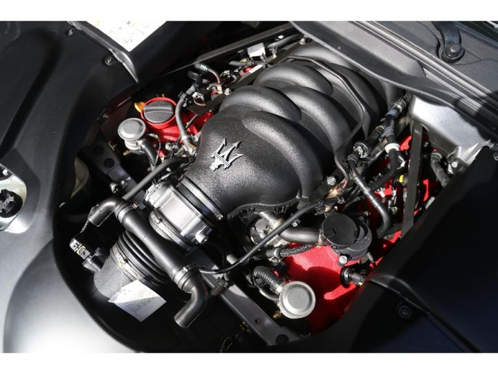 Maserati Grancabrio SPORT 4.7 V8 460 cv  - 10