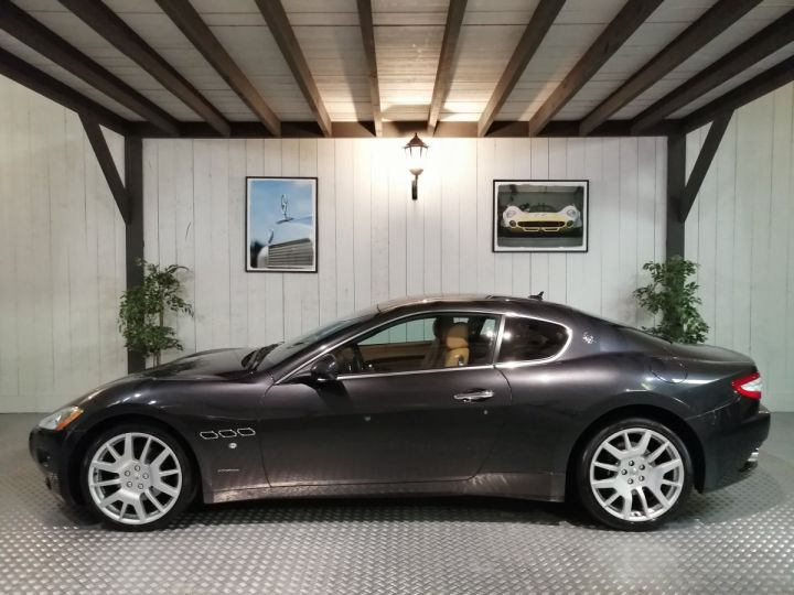 Maserati GranTurismo 4.2 V8 405 CV BVA Gris - 1