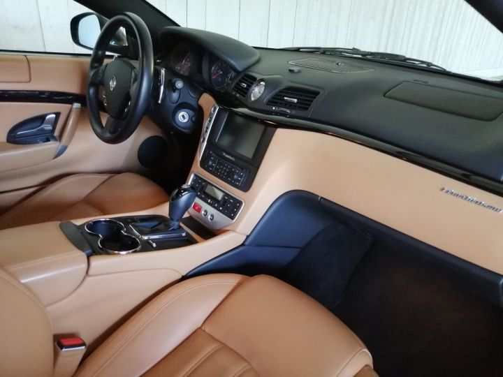 Maserati GranTurismo 4.2 V8 405 CV BVA Gris - 6