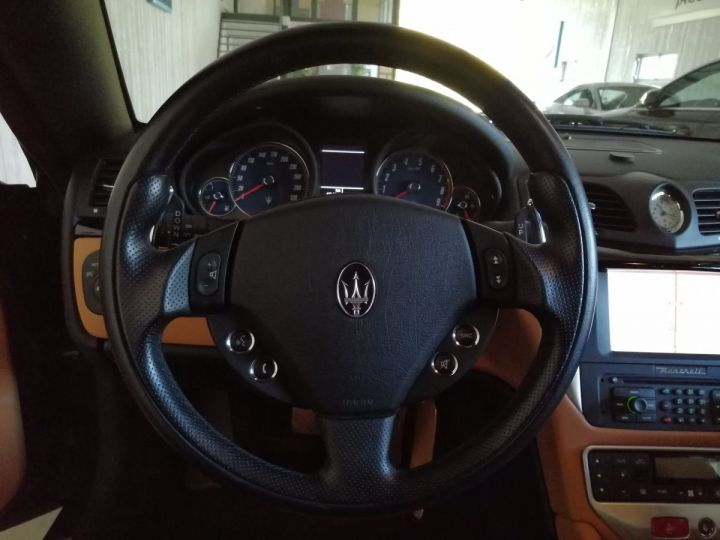 Maserati GranTurismo 4.2 V8 405 CV BVA Gris - 10