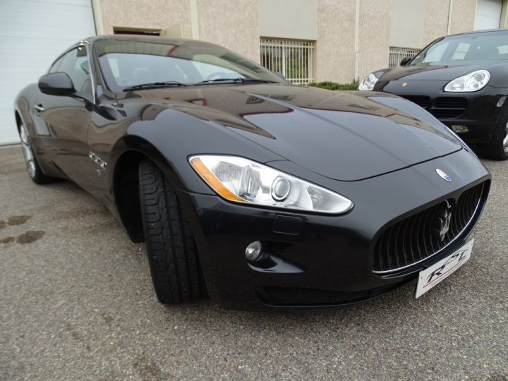 Maserati GranTurismo 4.2L BVA ZF 405PS/ Full Options jtes 20  PDC BOSE GPS ..... noir metallisé - 4
